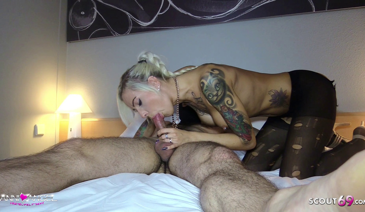 Blonde - Dutch Client Condom Off And Jizz On Vulva By German Prostitute