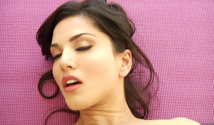 Sunny Leone And Daisy Marie Have Hot Lesbian Sex