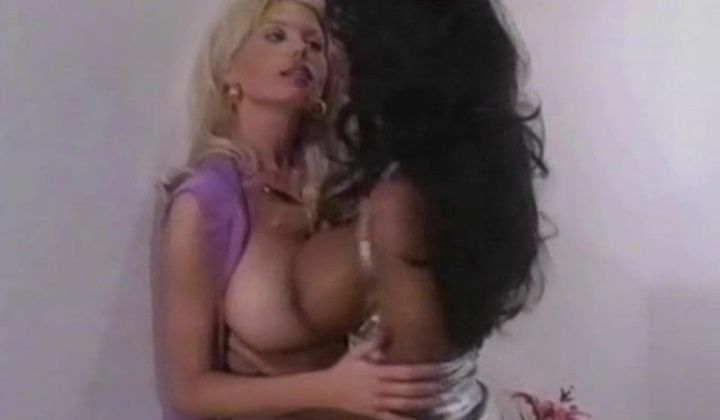 Vintage - Brazilian And Blonde Lesbian Sex